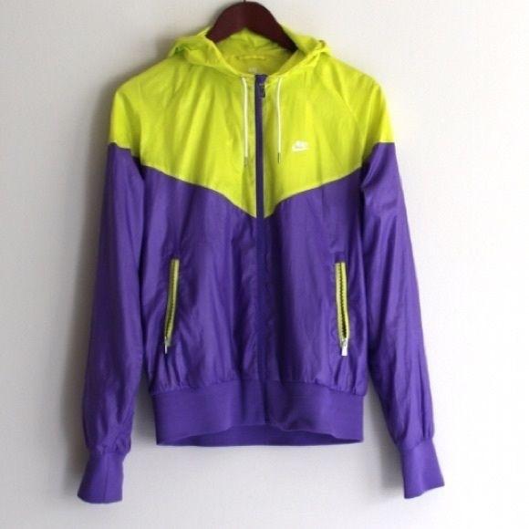 471d98ec2f NWOT Nike Yellow and Purple Windrunner Windbreaker.  M 5b174c89a31c33dcb8acb9ac